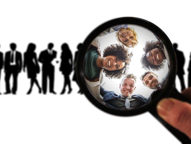 https://pixabay.com/pt/photos/grupo-alvo-publicidade-comprador-3460039/