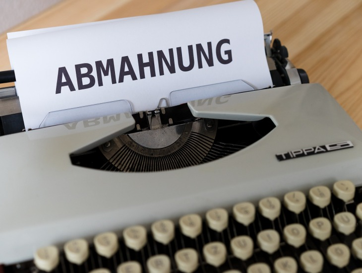 https://pixabay.com/pt/photos/cessar-e-desistir-carta-advogado-5279687/